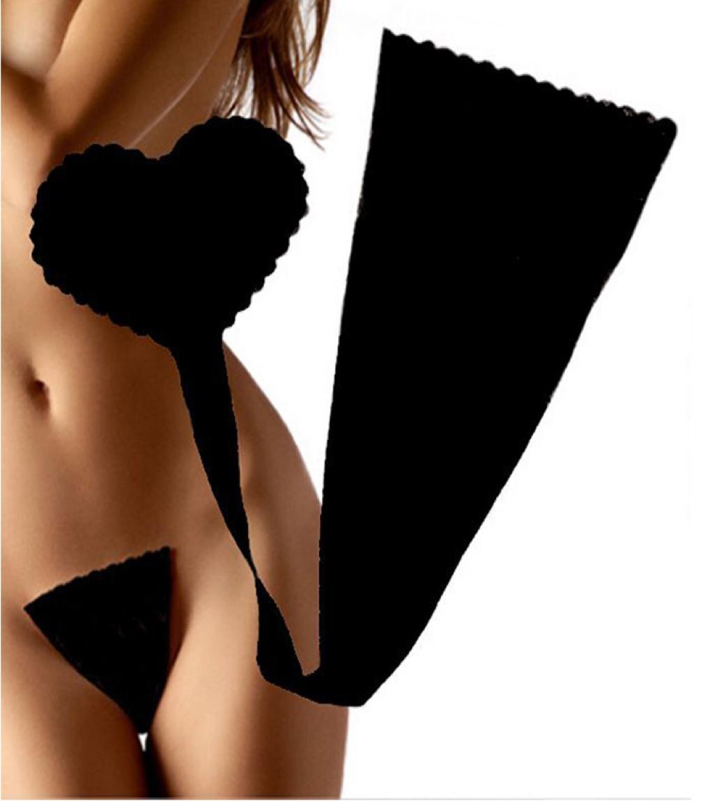 Juliet Reeves Nude Photos